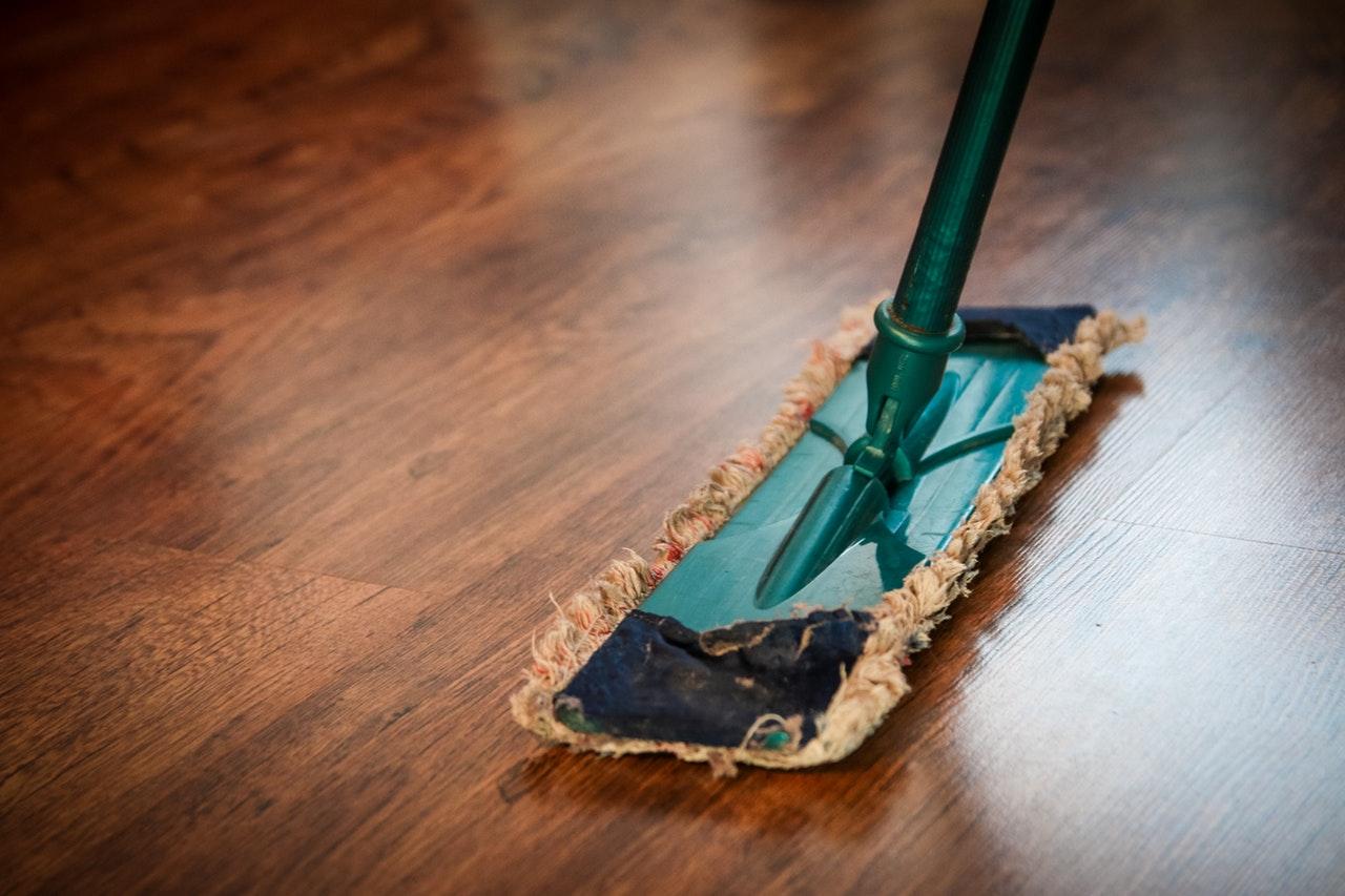 Arbeiten in der Reinigung (Schule) (Gebäudereiniger/in)